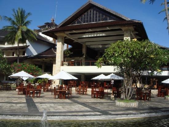 โรงแรมดิสคัฟเวอรี่ คาร์ติกา พลาซ่า: Breakfast area