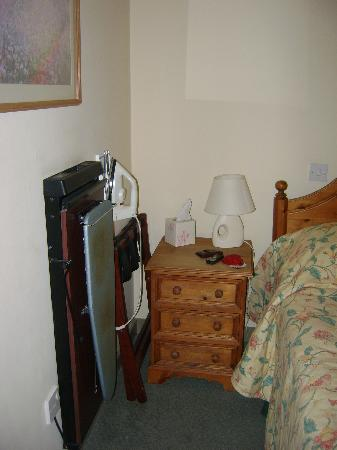 Deddington Arms Hotel: It's not 'executive' without your trouser press!