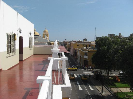 Hostal Colonial: View towards cathedral from top floor