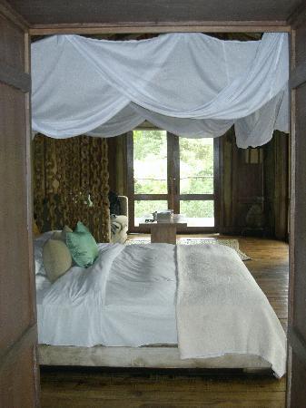 andBeyond Lake Manyara Tree Lodge: vue à partir de la salle de bain