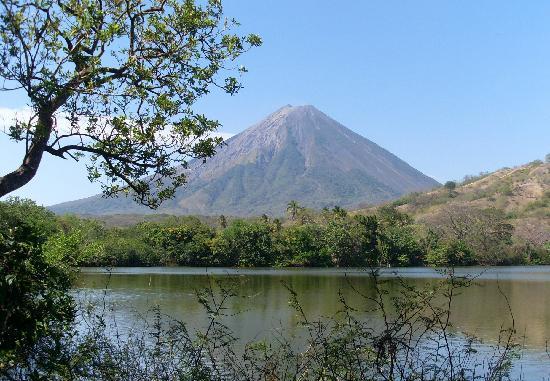 Charco Verde: Volcan Concepcion