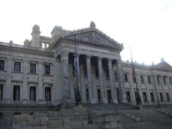 Montevideo, Uruguay: Palacio Legislativo