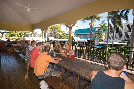 Global Backpackers Central: Great place to meet people and watch the wold go by.