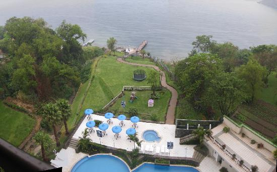 Hotel La Riviera de Atitlan: La piscine et ses 2 jacuzzis