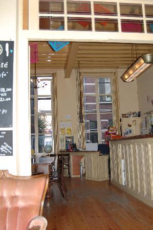 Strowis Budget Hostel: Bar area