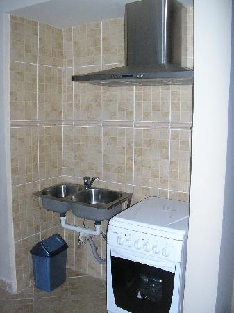 Bole Rock Hotel: kitchen