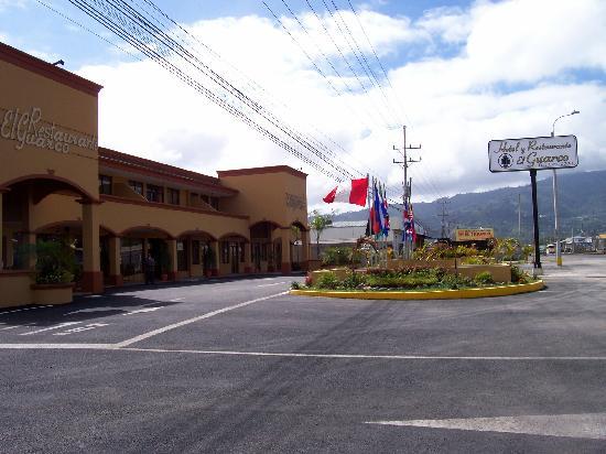 Hotel y Restaurante El Guarco: front