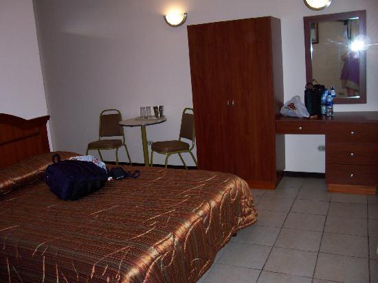 Hotel y Restaurante El Guarco: bed