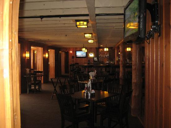 Grand View Lodge: Remodeled Northwoods Pub
