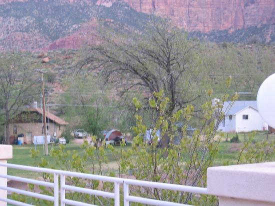 Zion Canyon Bed and Breakfast: Neighbors of the B&B
