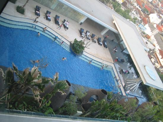 Hilton Bandung: The pool from level 11