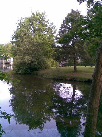 Center Parcs de Eemhof: lake and garden of 969 taken from footbridge