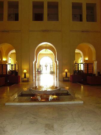 Alhambra Thalasso Hotel : Le hall d'entrée