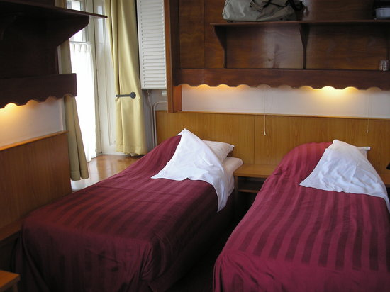 Hotel Nadia: two of the five beds