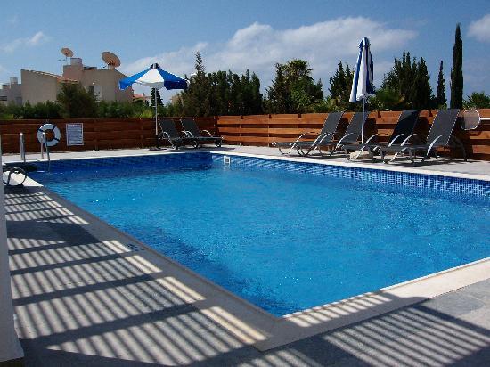 Coral Olympus Villas: Fab pool