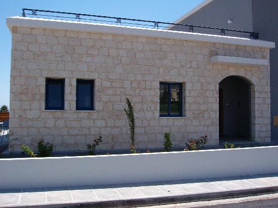 Coral Olympus Villas: Front of Villa
