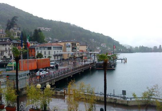 Lavena Ponte Tresa, Italië: vue vers le frontière