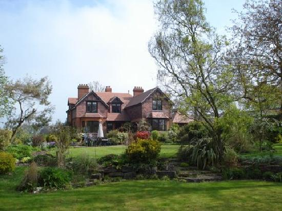 Highfield Country Guest House: House seen from the garden.