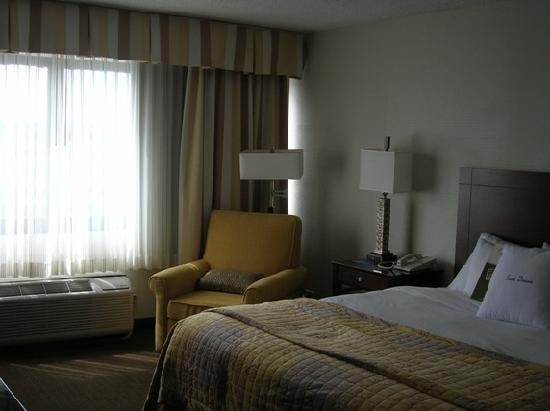 DoubleTree by Hilton Hotel Chicago - Schaumburg: My beautiful room!