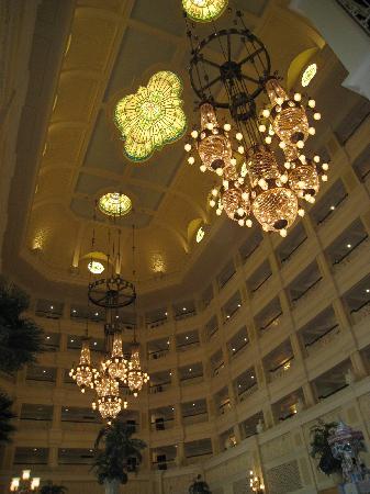 Tokyo Disneyland Hotel : Lobby