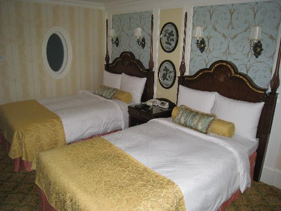 Tokyo Disneyland Hotel : Beds