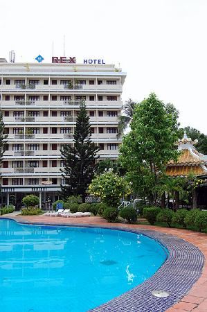 Rex Hotel: View of the hotel and pool
