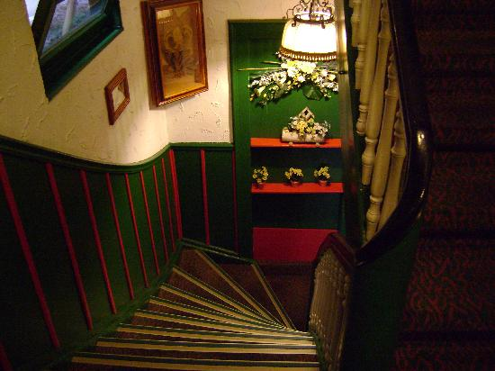 Hotel Alte Laterne: Alte Laterne staircase