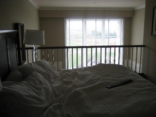 Inn By the Sea: bedroom