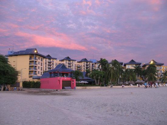Zuana Beach Resort : View of hotel from beach at sunset