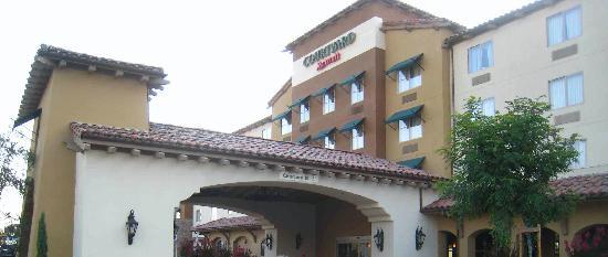 Courtyard Paso Robles : Exterior