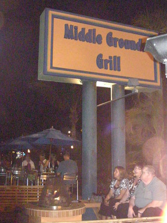 ‪Middle Grounds Grill‬