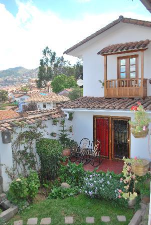 B&B-Hotel Pension Alemana: bottom courtyard