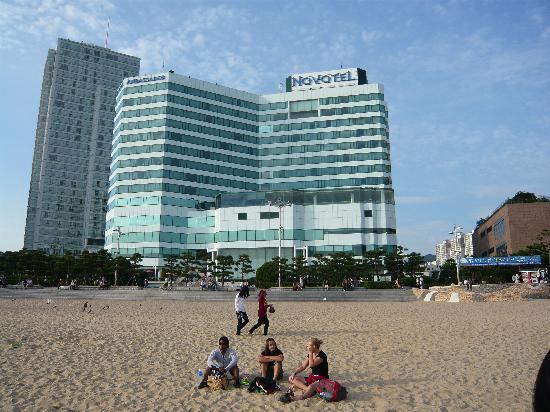 โรงแรมโนโวเทล แอมบาสซาเดอร์ ปูซาน: View from the beach