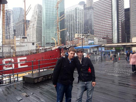 luke and koen at southstreet seaport picture of real new york tours new york city tripadvisor. Black Bedroom Furniture Sets. Home Design Ideas