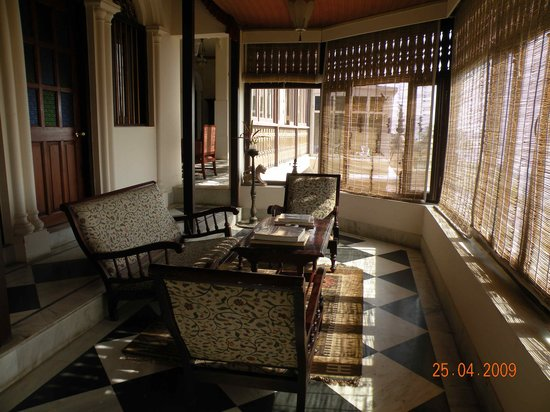 Hotel Ganges View: Lounging area