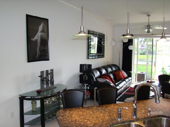 Caliente Resort and Spa: Living Room