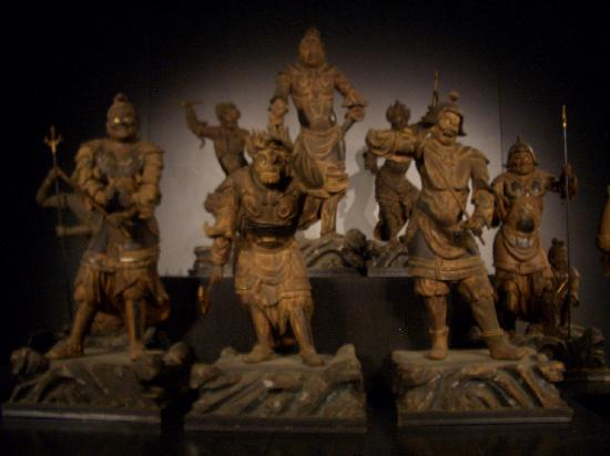 Nationalmuseum Tokyo: 12 Heavenly Generals (Kamakura period 12-13c)