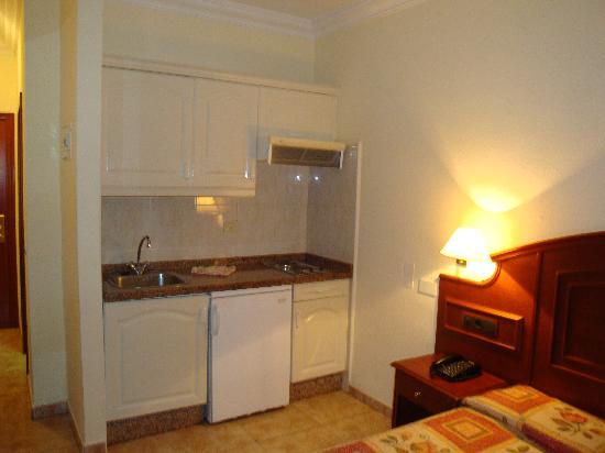 Park Plaza Apartments: Kitchen?