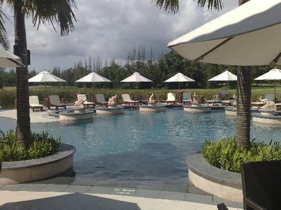 LHC Phuket Resort: Pool Side