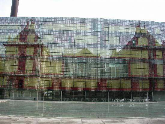 Palais des Beaux Arts: From the rear reflected in the building opposite