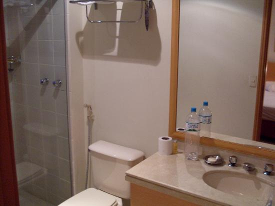Intercity Interative Jardins: bathroom