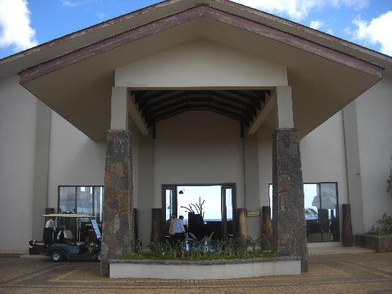 L entr e de l hotel picture of intercontinental for Entree hotel