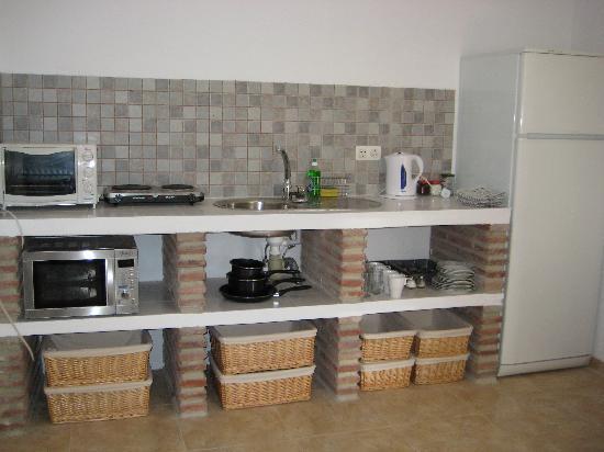 Casa Colina: Olive Suite Kitchen