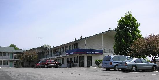 Motel 6 Des Moines South - Airport: Outside View