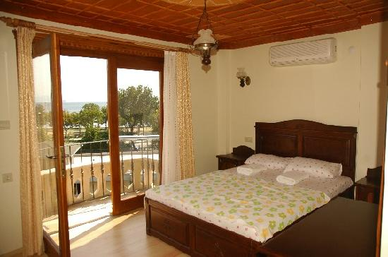 Saruhan Hotel: double room with sea view & balcony