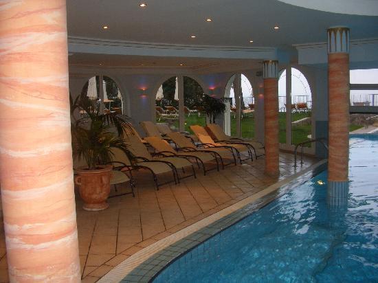 Schwimmbad bild von hotel miramar opatija tripadvisor for Schwimmbad billig