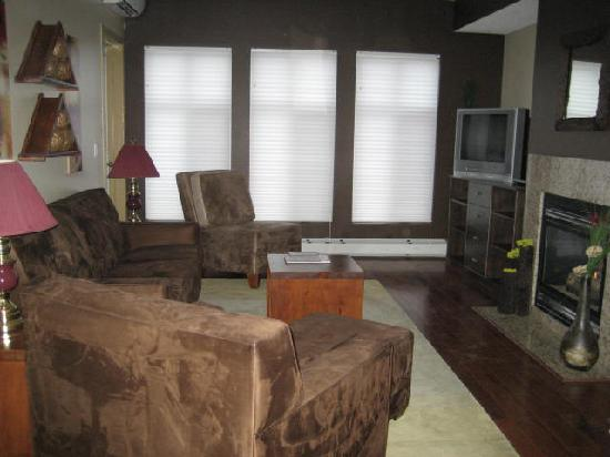 Living Room Picture Of Sunset Resorts Canmore Tripadvisor