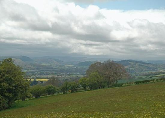 Lowe Farm B&B: Views of surrounding countryside from one of the circular walks