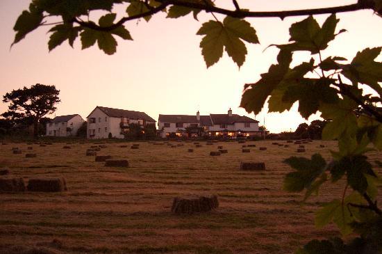Porth Tocyn Hotel : Porth Tocyn at dusk