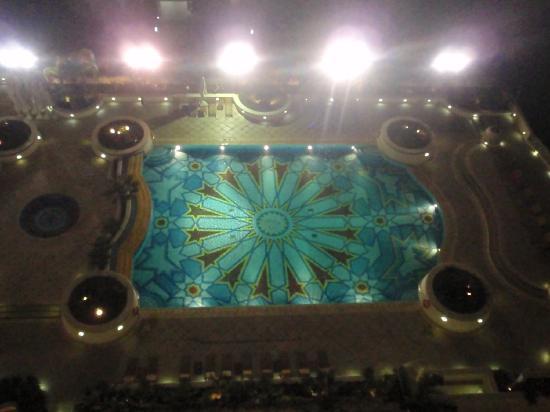 Grand Nile Tower: piscina